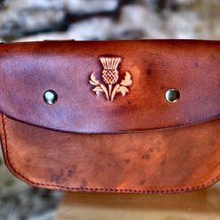 Pochette ceinture marron vieilli, motif chardon
