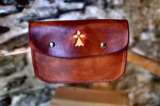 Pochette ceinture marron vieilli, motif hermine