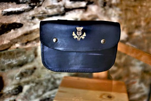 Pochette ceinture noire, motif chardon