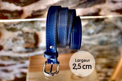 Ceinture en cuir bleu marine façon couture (2,5cm).